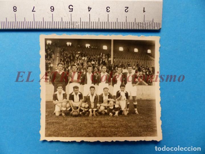 Coleccionismo deportivo: 13 ANTIGUAS, BONITAS E INTERESANTES FOTOGRAFIAS DE ALINEACIONES DE EQUIPOS DE FUTBOL - AÑOS 1930-40 - Foto 4 - 150943318