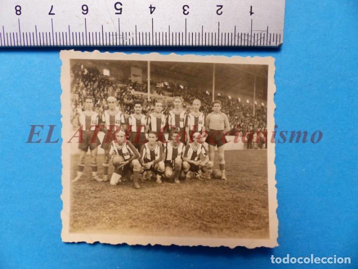 Coleccionismo deportivo: 13 ANTIGUAS, BONITAS E INTERESANTES FOTOGRAFIAS DE ALINEACIONES DE EQUIPOS DE FUTBOL - AÑOS 1930-40 - Foto 6 - 150943318