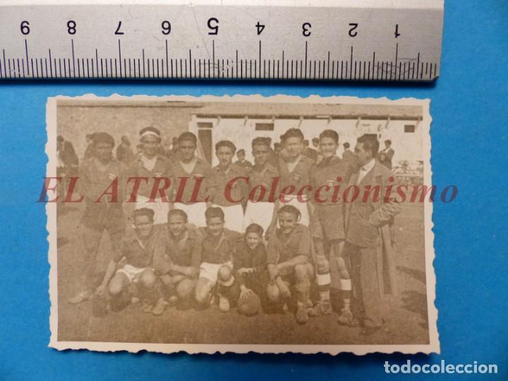 Coleccionismo deportivo: 13 ANTIGUAS, BONITAS E INTERESANTES FOTOGRAFIAS DE ALINEACIONES DE EQUIPOS DE FUTBOL - AÑOS 1930-40 - Foto 8 - 150943318