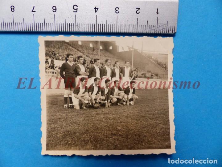 Coleccionismo deportivo: 13 ANTIGUAS, BONITAS E INTERESANTES FOTOGRAFIAS DE ALINEACIONES DE EQUIPOS DE FUTBOL - AÑOS 1930-40 - Foto 12 - 150943318