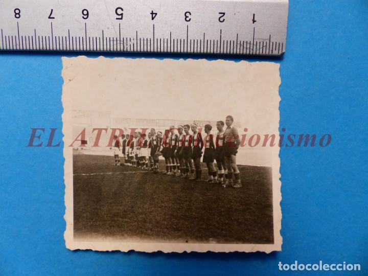 Coleccionismo deportivo: 13 ANTIGUAS, BONITAS E INTERESANTES FOTOGRAFIAS DE ALINEACIONES DE EQUIPOS DE FUTBOL - AÑOS 1930-40 - Foto 18 - 150943318
