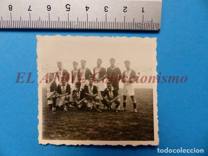 Coleccionismo deportivo: 13 ANTIGUAS, BONITAS E INTERESANTES FOTOGRAFIAS DE ALINEACIONES DE EQUIPOS DE FUTBOL - AÑOS 1930-40 - Foto 24 - 150943318
