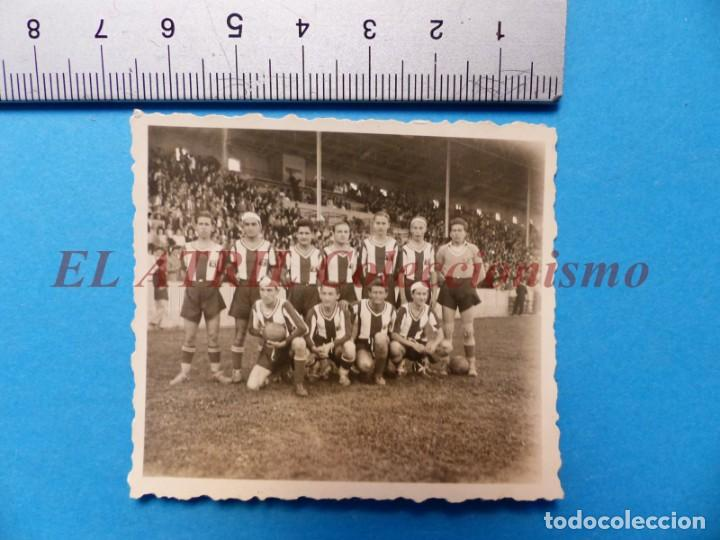 Coleccionismo deportivo: 13 ANTIGUAS, BONITAS E INTERESANTES FOTOGRAFIAS DE ALINEACIONES DE EQUIPOS DE FUTBOL - AÑOS 1930-40 - Foto 26 - 150943318
