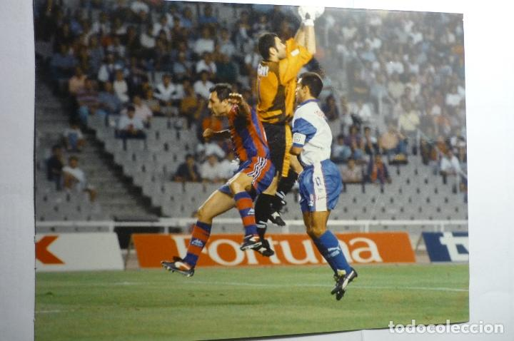 FOTOGRAFIA PRENSA FUTBOL PARTIDO FC BARCELONA-AT.MADRID -TAMAÑO CUARTILLA (Coleccionismo Deportivo - Documentos - Fotografías de Deportes)