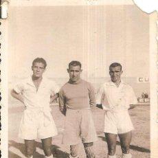 Coleccionismo deportivo: FOTOGRAFÍA ORIGINAL TELECHÍA, COMAS CARRASCO SD CEUTA 1941/42 41/42 . Lote 151404974