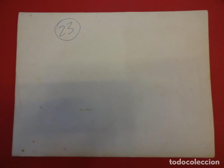 Coleccionismo deportivo: LUCHA LIBRE. Foto original 24 x 18. TARRÉS curado en la enfermería. Barcelona.CIRCA 1950 - Foto 3 - 152322366