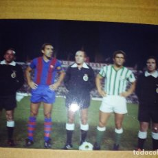 Coleccionismo deportivo: FOTOGRAFIA BETIS BARCELONA CAPITANES 10 CM X 15 CM. Lote 154786898