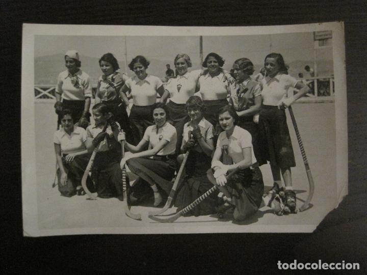 BARCELONA-EQUIPO FEMENINO HOCKEY SOBRE PATINES S.C. CATALUÑA-FOTOGRAFIA ANTIGUA-VER FOTOS-(V-16.113) (Coleccionismo Deportivo - Documentos - Fotografías de Deportes)