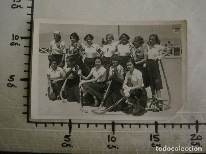 Coleccionismo deportivo: BARCELONA-EQUIPO FEMENINO HOCKEY SOBRE PATINES S.C. CATALUÑA-FOTOGRAFIA ANTIGUA-VER FOTOS-(V-16.113) - Foto 7 - 155157202