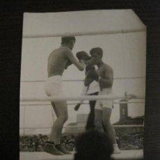 Coleccionismo deportivo: MADRID-BOXEO-EL CINTURON DE MADRID 1927-AGUILAR VS BLANCO-FOTOGRAFIA ANTIGUA-VER FOTOS-(V-16.129). Lote 155158754
