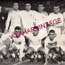 Coleccionismo deportivo: PRINCIPIOS AÑOS 60, EQUIPACION SEVILLA,F.C.,180X120MM. Lote 155670666