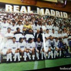 Coleccionismo deportivo: POSTER DE LA REVISTA CHAMPIONS LEAGUE 1995 REAL MADRID. Lote 155978614