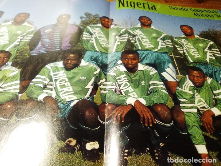 Coleccionismo deportivo: POSTER DE LA REVISTA FUTBOL MUNDIAL. NIGERIA CAMPEON DE AFRICA 1994.FINIDI.YEKINI.OKOCHA.AMUNIKE - Foto 2 - 155979106