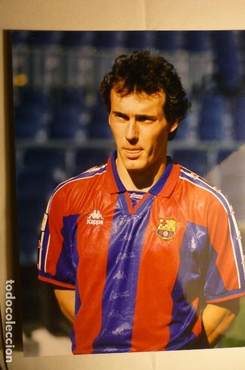 FOTO PRENSA TAMAÑO CUARTILLA F.C.BARCELONA -JUGADOR POPESCU (Coleccionismo Deportivo - Documentos - Fotografías de Deportes)