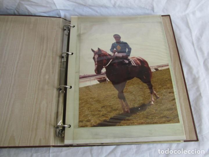 Coleccionismo deportivo: 2 álbumes de fotos de hípica años 70. Ver fotografías adicionales - Foto 8 - 158809614