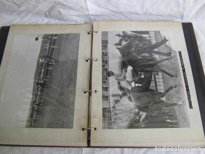 Coleccionismo deportivo: 2 álbumes de fotos de hípica años 70. Ver fotografías adicionales - Foto 24 - 158809614