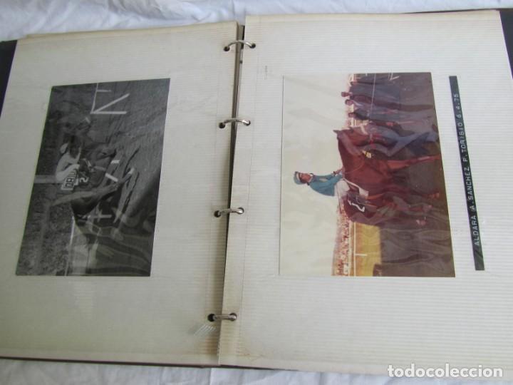 Coleccionismo deportivo: 2 álbumes de fotos de hípica años 70. Ver fotografías adicionales - Foto 26 - 158809614