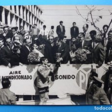 Coleccionismo deportivo: ANTIGUA FOTOGRAFIA DE CICLISTA - AÑOS 1960-70 - FERRYS - VUELTA CICLISTA A LEVANTE. Lote 159399430
