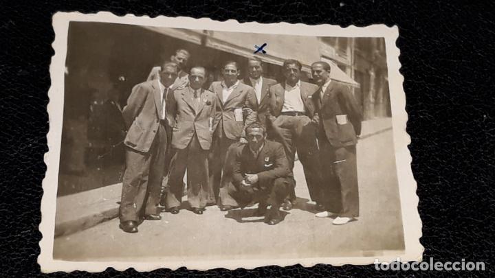 Coleccionismo deportivo: Tres fotografias historicas de jugadores del Malaga F.C. año 1943 en Valencia y Xativa - Foto 5 - 159461526