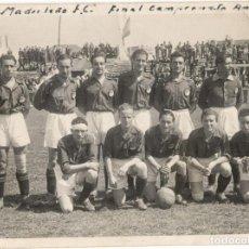 Coleccionismo deportivo: FÚTBOL - FOTOGRAFÍA DEL EQUIPO MADRILEÑO FÚTBOL CLUB - FINAL CAMPEONATO AMATEUR. Lote 160048082