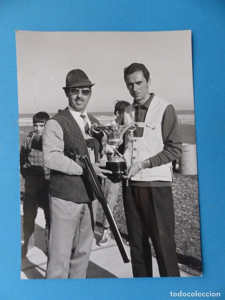 Coleccionismo deportivo: TIRO PICHON, 5 FOTOGRAFIAS, VALENCIA - AÑOS 1960 - Foto 2 - 165639718