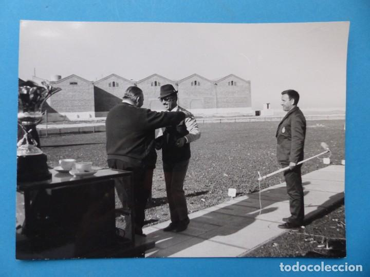 Coleccionismo deportivo: TIRO PICHON, 5 FOTOGRAFIAS, VALENCIA - AÑOS 1960 - Foto 10 - 165639718
