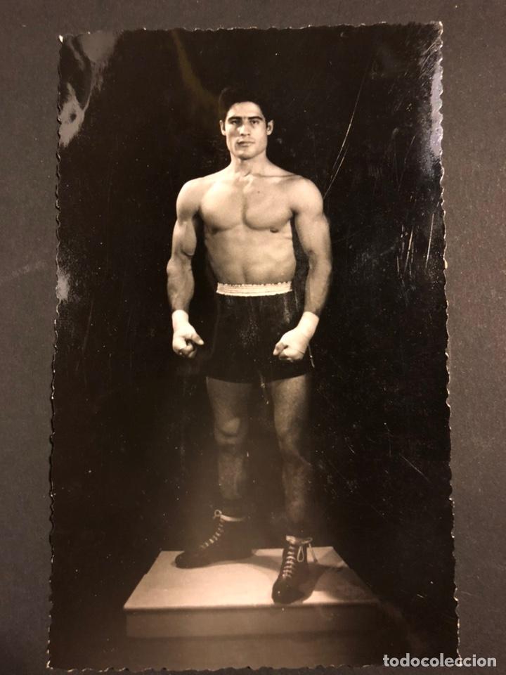 FOTO ORIGINAL LUCHADOR DE LUCHA LIBRE CATCH 13,5 X 8,5 CM FOTO MODESTO VALENCIA (Coleccionismo Deportivo - Documentos - Fotografías de Deportes)