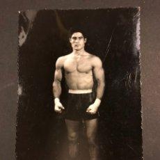 Coleccionismo deportivo: FOTO ORIGINAL LUCHADOR DE LUCHA LIBRE CATCH 13,5 X 8,5 CM FOTO MODESTO VALENCIA. Lote 168397280
