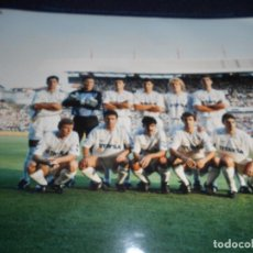 Coleccionismo deportivo: FOTOGRAFIA REAL MADRID - EPOCA BUTRAGUEÑO TAMAÑO 25 X 20 CMS. Lote 168721752