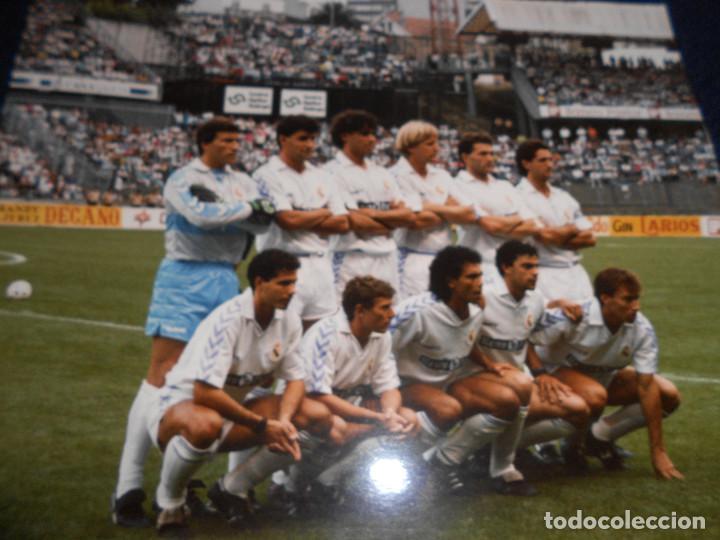 FOTOGRAFIA REAL MADRID - EPOCA BUTRAGUEÑO TAMAÑO 25 X 20 CMS (Coleccionismo Deportivo - Documentos - Fotografías de Deportes)