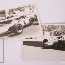 Coleccionismo deportivo: PAREJA DE FOTOGRAFÍAS DE COCHES FÓRMULA 1 / F1 DE LOS AÑOS 60 - CIRCUITO DE MONTJUICH / MONTJUIC ?. Lote 170935760