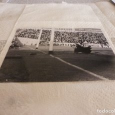 Coleccionismo deportivo: FOTO MATE(15 X 20) LIGA 65-66 (SARRIÁ)R.C.D. ESPAÑOL 3 ATH.CLUB DE BILBAO 4- JOSE ANGEL IRIBAR. Lote 173623844