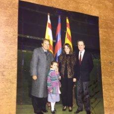 Coleccionismo deportivo: FOTOGRAFÍA DEDICADA DE JOSEP LUIS NUÑEZ - F.C. BARCELONA - 20X14,5CM - 1989. Lote 174096994