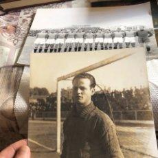 Coleccionismo deportivo: LOTE DE 2 FOTOGRAFÍAS DE FÚTBOL A IDENTIFICAR, AÑOS 30-40. Lote 174437049