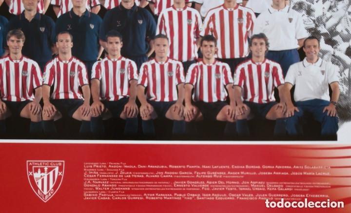 Coleccionismo deportivo: Tarjetón oficial del ATHLETIC CLUB de BILBAO con la alineación de la temporada 2004/2005 - original - Foto 3 - 183034910