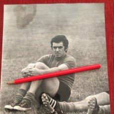 Coleccionismo deportivo: FOTO FOTOGRAFIA PRENSA FUTBOL JUGADOR ACUÑA PEÑAROL. Lote 175627787