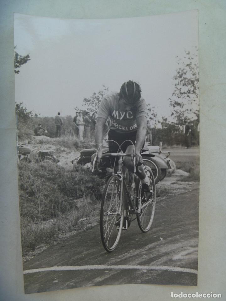 CICLISMO : FOTO DE CICLISTA DEL EQUIPO MYC EN CARRERA. DE DOMENECH, BARCELONA .. 12 X 18 CM (Coleccionismo Deportivo - Documentos - Fotografías de Deportes)
