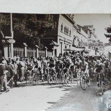Coleccionismo deportivo: CICLISMO: FOTO DE CICLISTA EN CARRERA. 12 X 18 CM. Lote 176762915