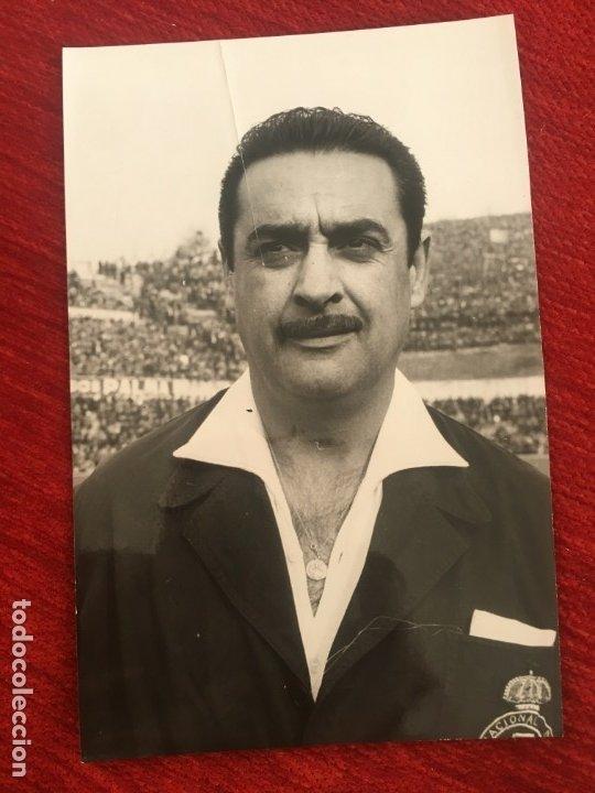 R6810 ORIGINAL FOTO FOTOGRAFIA DE PRENSA ARBITRO FUTBOL VICENTE LLORIS ANTONINO 1964 (Coleccionismo Deportivo - Documentos - Fotografías de Deportes)