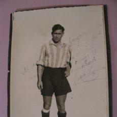 Coleccionismo deportivo: FOTO DEL JUSTO IZQUIERDO. REAL JAEN. AÑOS 40. FIRMADA Y DEDICADA A JOSE GONZALEZ MARIN.. Lote 182126955