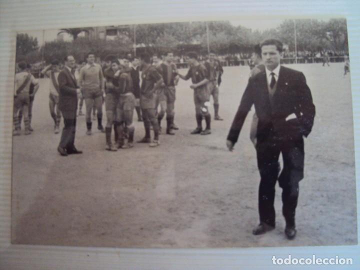 Coleccionismo deportivo: (F-191190)LOTE DE 79 FOTOGRAFIAS CATEGORIAS INFERIORES C.F.BARCELONA - 1956-57 A 1976-77 - Foto 8 - 183922591