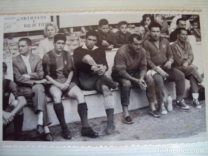 Coleccionismo deportivo: (F-191190)LOTE DE 79 FOTOGRAFIAS CATEGORIAS INFERIORES C.F.BARCELONA - 1956-57 A 1976-77 - Foto 10 - 183922591