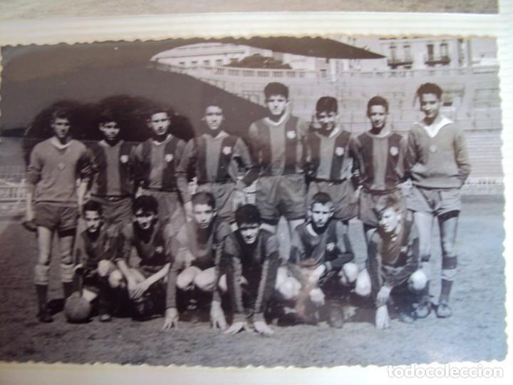 Coleccionismo deportivo: (F-191190)LOTE DE 79 FOTOGRAFIAS CATEGORIAS INFERIORES C.F.BARCELONA - 1956-57 A 1976-77 - Foto 14 - 183922591