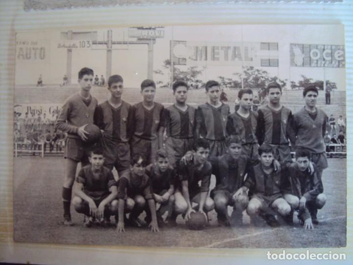 Coleccionismo deportivo: (F-191190)LOTE DE 79 FOTOGRAFIAS CATEGORIAS INFERIORES C.F.BARCELONA - 1956-57 A 1976-77 - Foto 17 - 183922591