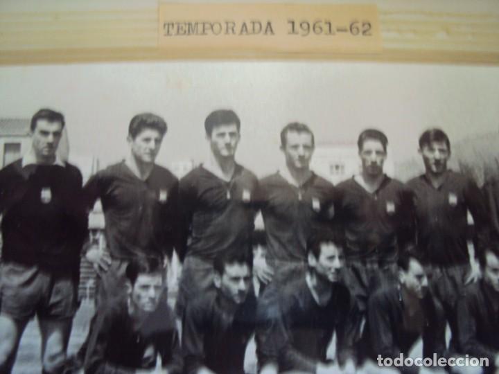 Coleccionismo deportivo: (F-191190)LOTE DE 79 FOTOGRAFIAS CATEGORIAS INFERIORES C.F.BARCELONA - 1956-57 A 1976-77 - Foto 21 - 183922591