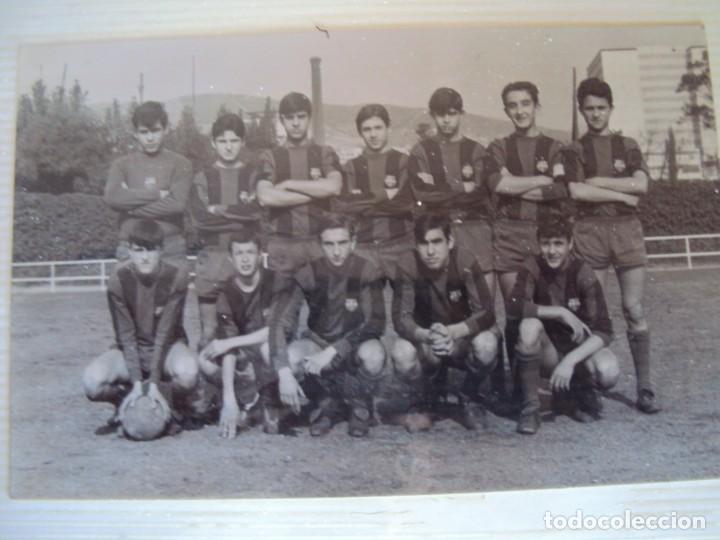 Coleccionismo deportivo: (F-191190)LOTE DE 79 FOTOGRAFIAS CATEGORIAS INFERIORES C.F.BARCELONA - 1956-57 A 1976-77 - Foto 38 - 183922591