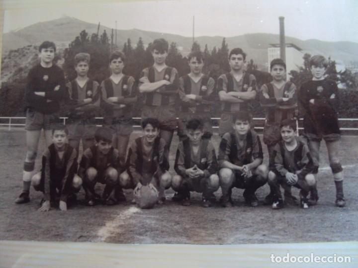 Coleccionismo deportivo: (F-191190)LOTE DE 79 FOTOGRAFIAS CATEGORIAS INFERIORES C.F.BARCELONA - 1956-57 A 1976-77 - Foto 40 - 183922591