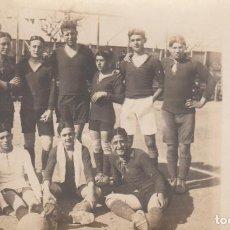 Coleccionismo deportivo: POSTAL FOTOGRAFICA TEAM FUTBOL ESCUELAS INDUSTRIALES TARRASA TERRASSA 1914. Lote 184116951
