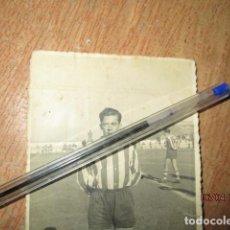 Coleccionismo deportivo: F. RODRIGUEZ - CABELLO -JUGADOR HERCULES Y BARCELONA FOTO POSTAL CIRCA 1957 NACIDO EN ALICANTE. Lote 184428132