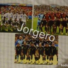 Coleccionismo deportivo: SELECCIÓN ESPAÑOLA DE FÚTBOL. LOTE 3 FOTOS ALINEACIONES EN EL MUNDIAL 2014 DE BRASIL. Lote 209284580